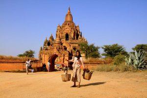 Bagan Pagoda in der Trockenzeit