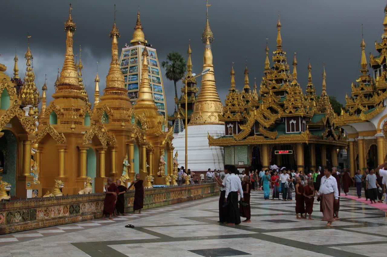 Myanmar - Shwedagon-Pagode in Yangon