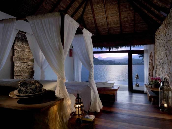 Kambodscha - Song Saa - Schlafzimmer der Overwater Villa