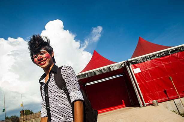 Phare Cambodian Circus, Clown