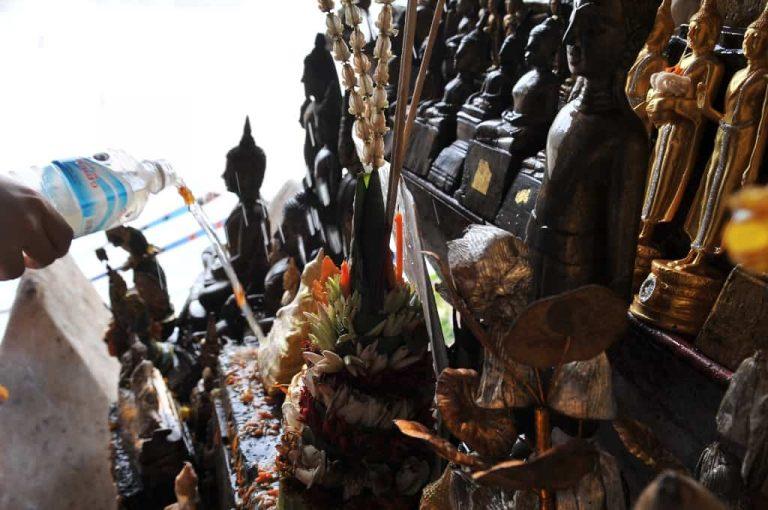 Laos - Pak Ou Höhlen