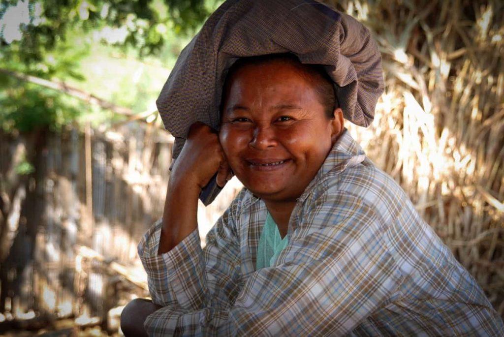 Myanmar Frau