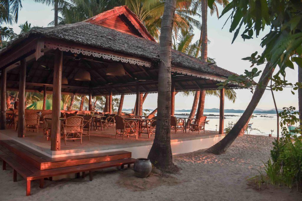 Lalay Lodge - restaurant
