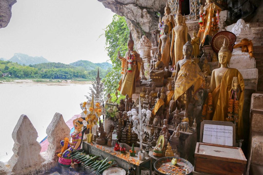 Laos Pak Ou Höhlen Buddhas